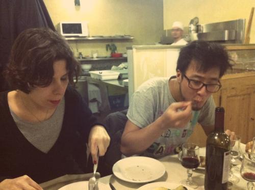 Comer em Roma