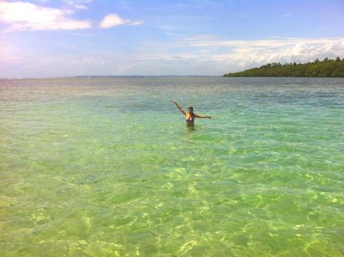 Piscina no meio do mar
