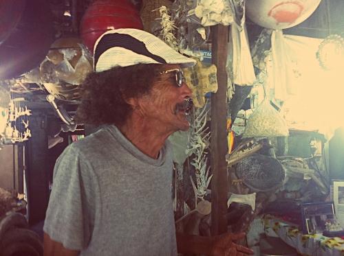 Tavinho, dono do Museo do Osso
